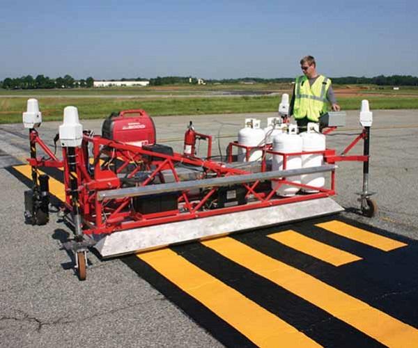 Разметка и маркировка термопластиком территории аэропорта - технология AirMark (19).jpg